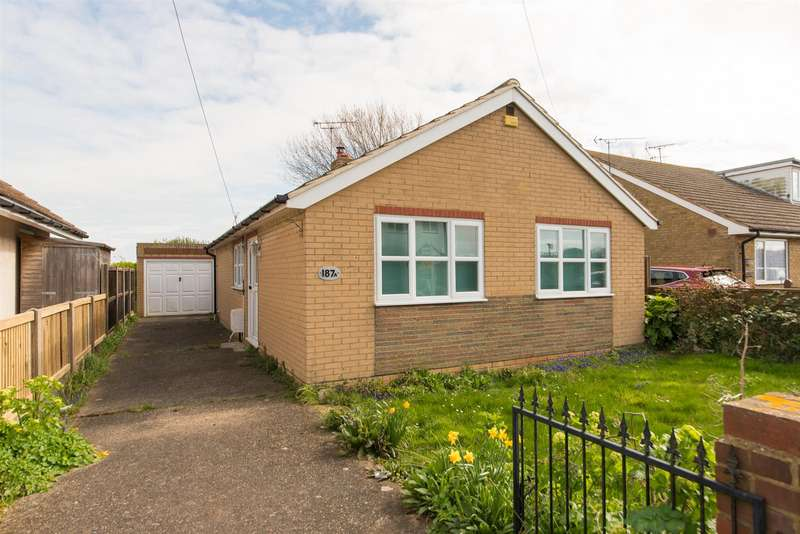 2 Bedrooms Detached Bungalow for sale in Linksfield Road, Westgate-On-Sea