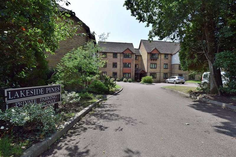 2 Bedrooms Flat for sale in New Milton