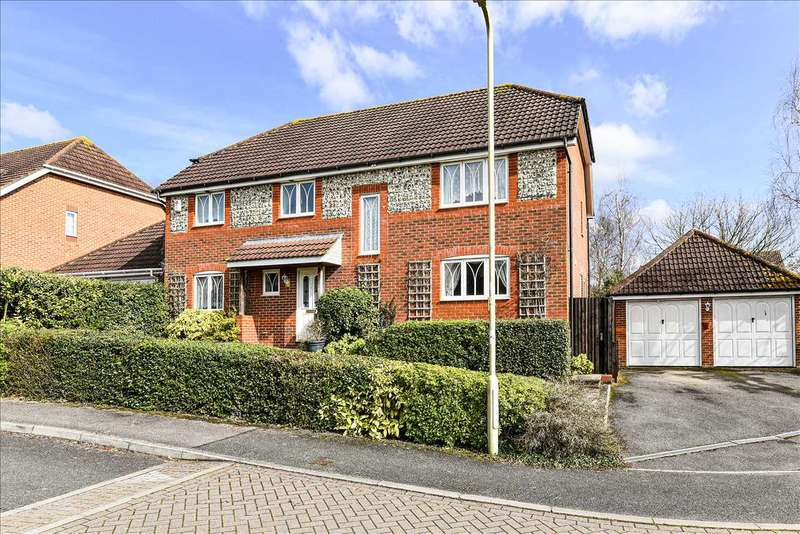 4 Bedrooms Detached House for sale in Lapwing Rise, Whitchurch