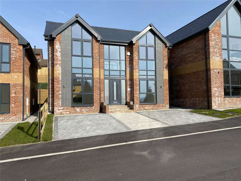4 Bedrooms Detached House for sale in Plot 2 Moordale Avenue, No.21 Moordale Avenue, Oldham, Greater Manchester, OL4