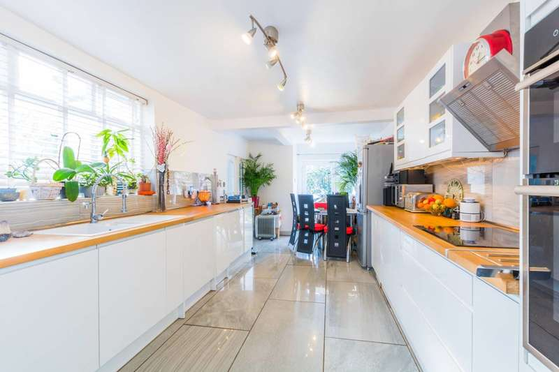 5 Bedrooms House for sale in Ingram Road, East Finchley, N2