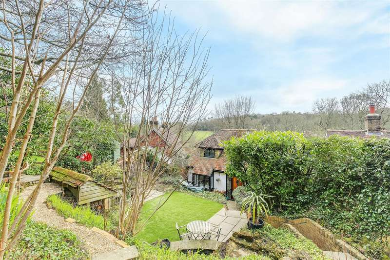 4 Bedrooms Detached House for sale in Hosey Common Road, Westerham