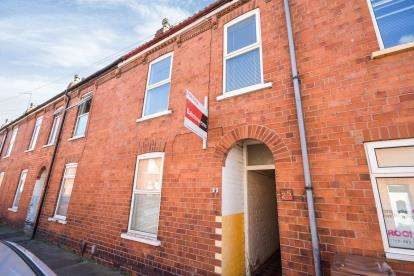 2 Bedrooms Terraced House for sale in Hood Street, Lincoln, Lincolnshire, .