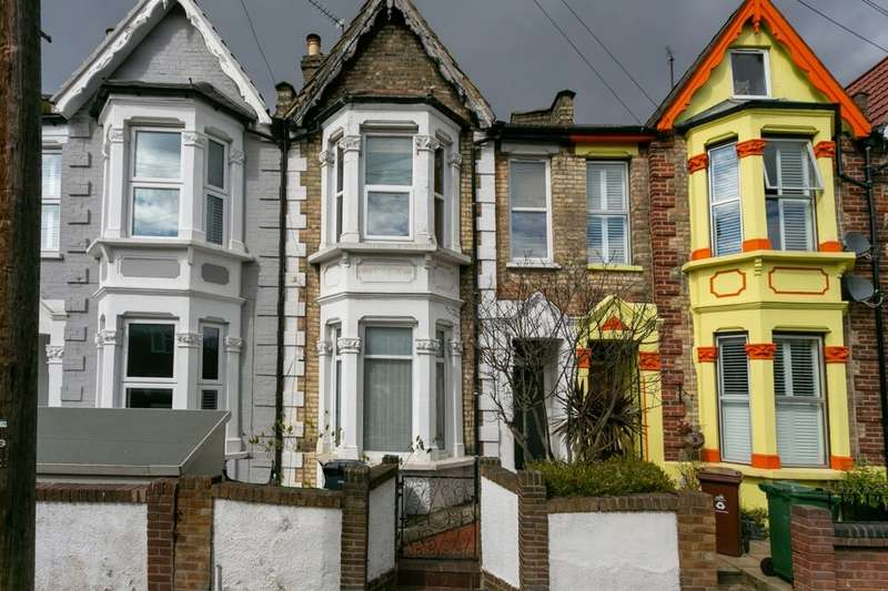2 Bedrooms Flat for sale in Frith Road, Leytonstone, London, E11