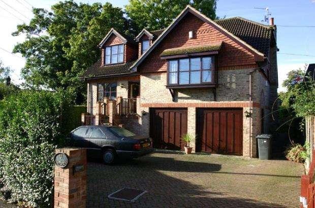 5 Bedrooms Detached House for sale in Ham Island, Old Windsor, Windsor