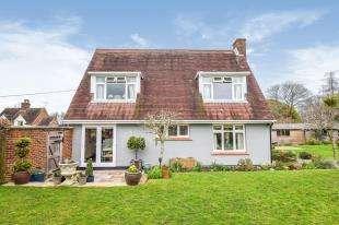 3 Bedrooms Detached House for sale in The Moor, Hawkhurst, Cranbrook, Kent