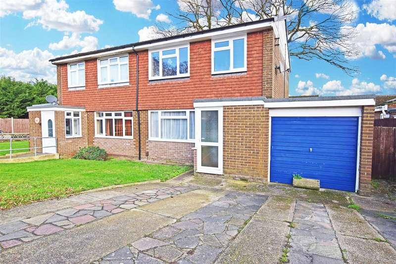 3 Bedrooms Semi Detached House for sale in Long Catlis Road, Gillingham