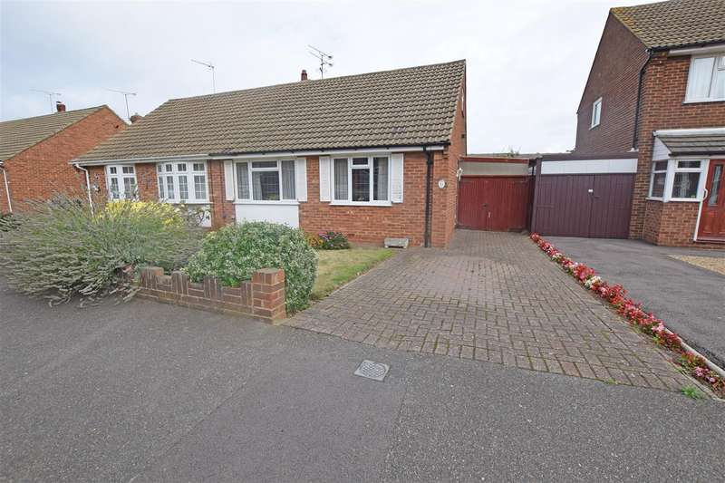 2 Bedrooms Semi Detached Bungalow for sale in Chalky Bank Road, Rainham, Gillingham
