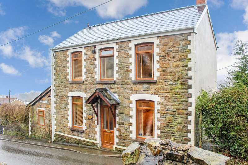 3 Bedrooms Detached House for sale in Tranch Road, Pontypool, NP4