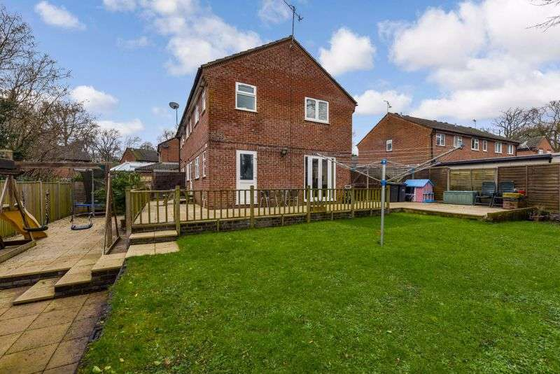 3 Bedrooms Property for sale in Holst Way, Purbrook