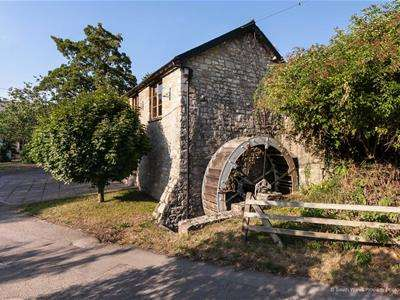 6 Bedrooms Detached House for sale in Llancarfan