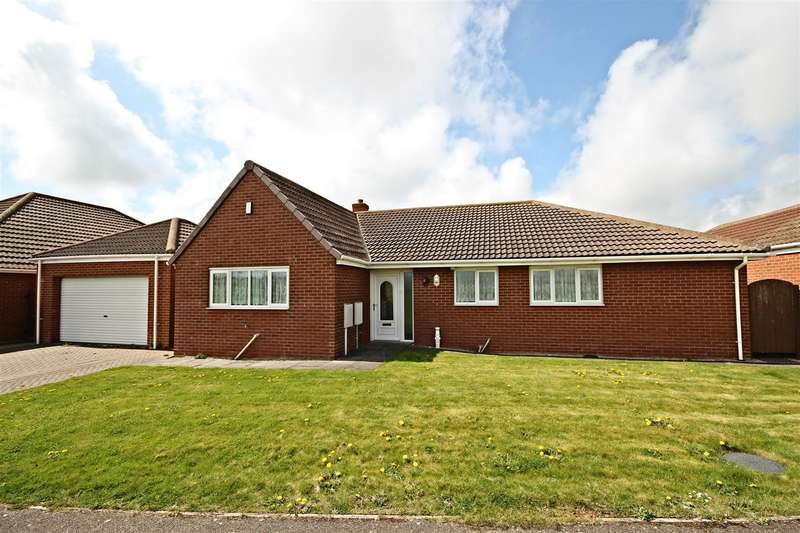 4 Bedrooms Detached Bungalow for sale in Masons Close, Sandilands, Mablethorpe