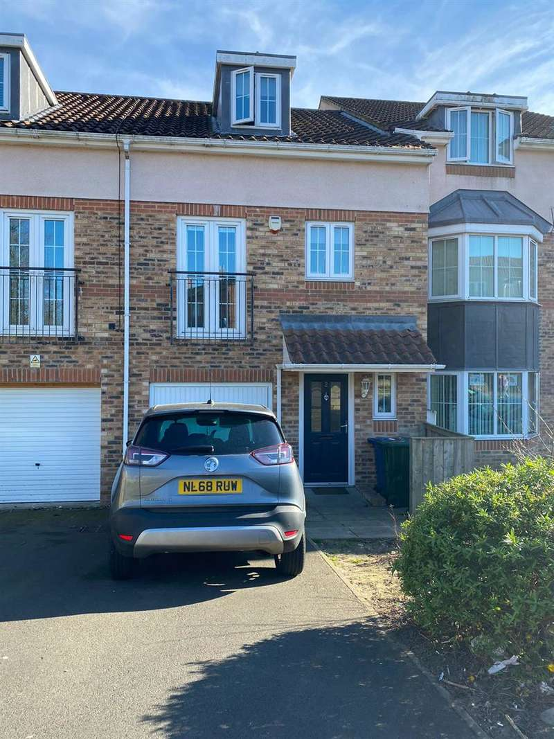 4 Bedrooms Terraced House for sale in Hawthorn Close, Benwell, Newcastle upon Tyne