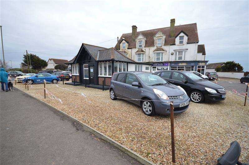 Property for rent in Barton on Sea, New Milton, Hampshire, BH25
