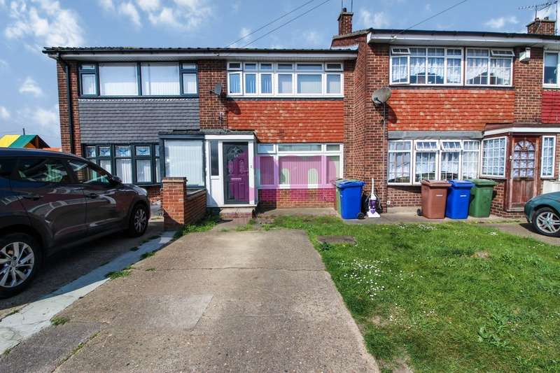 3 Bedrooms Terraced House for sale in Bryanston Road, Tilbury