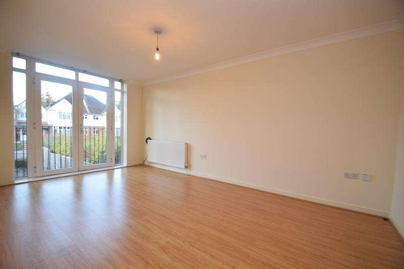 2 Bedrooms Apartment Flat for rent in Cairnpark, Rickmansworth Road, Watford, WD18