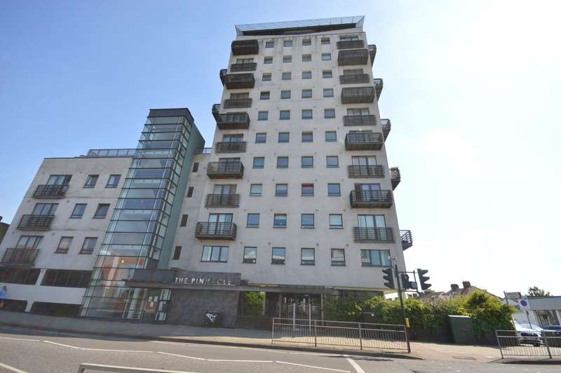 2 Bedrooms Apartment Flat for rent in The Pinnacle, - High Road, Chadwell Heath, Romford