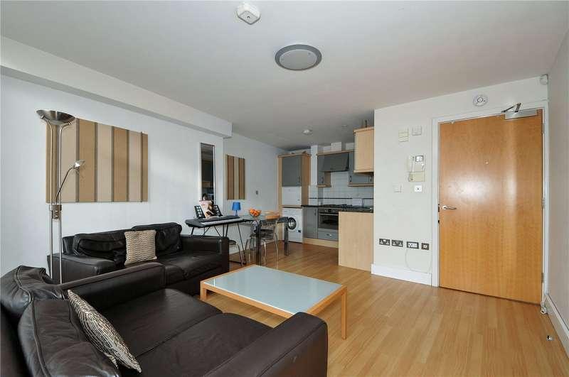 1 Bedroom Flat for rent in Anchor Court, 28 London Street, Basingstoke, Hampshire, RG21