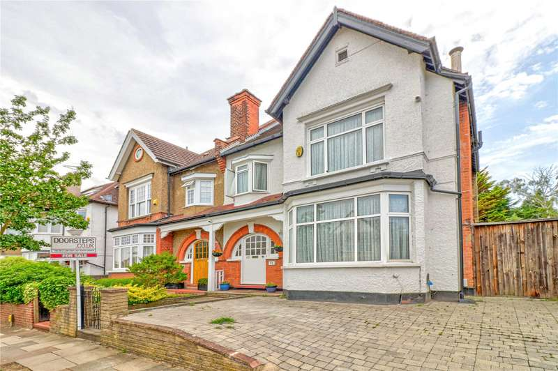 5 Bedrooms Semi Detached House for sale in Bedford Avenue, High Barnet, EN5