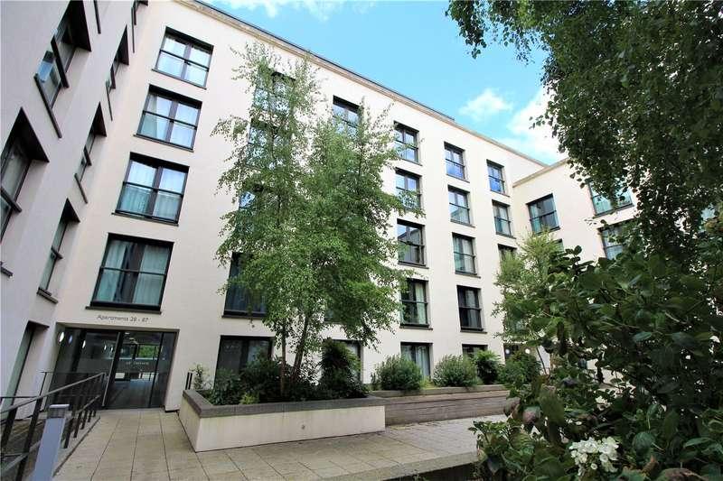 2 Bedrooms Flat for sale in St James' Walk, Honeybourne Way, Cheltenham, Glos, GL50