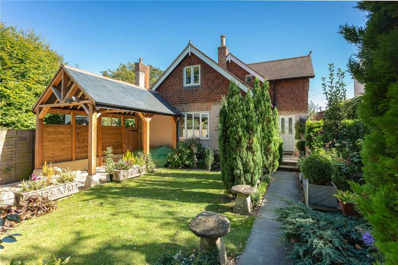 3 Bedrooms Detached House for sale in Church Walk, Devizes, Wiltshire, SN10
