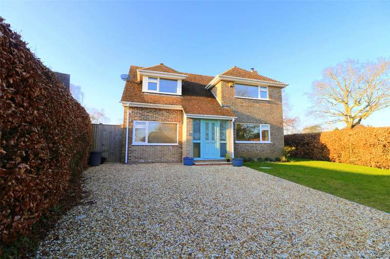 4 Bedrooms Detached House for sale in Durrant Way, Sway, Lymington, Hampshire, SO41