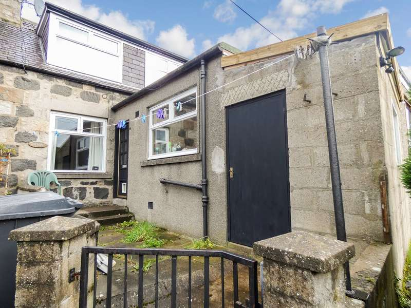 2 Bedrooms Terraced House for sale in Old Road, Huntly, AB54