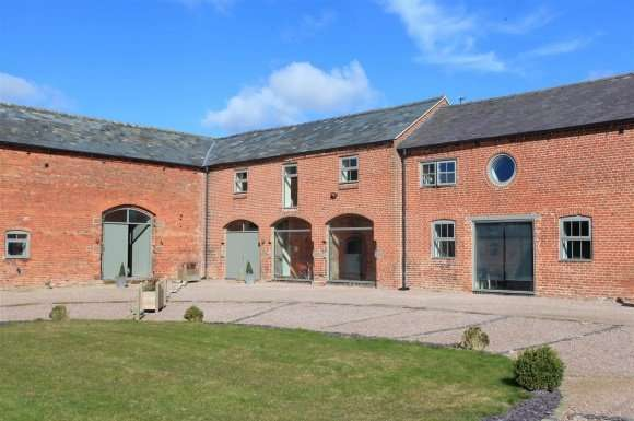 3 Bedrooms Property for sale in Fauls Farm, Fauls, Whitchurch, Shropshire