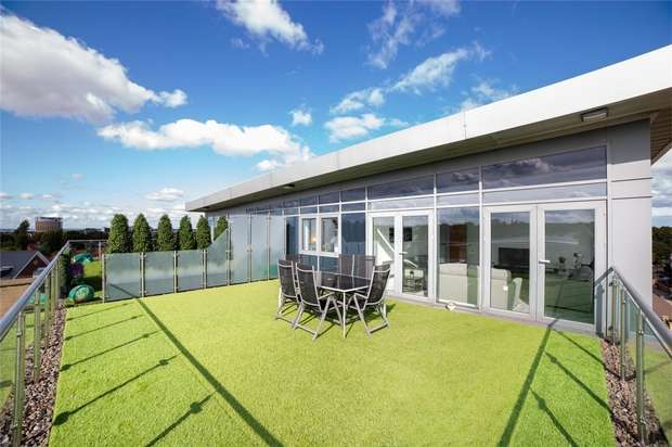 2 Bedrooms Flat for sale in Penthouse, Grove Park Oval, Gosforth, Newcastle upon Tyne, Tyne and Wear
