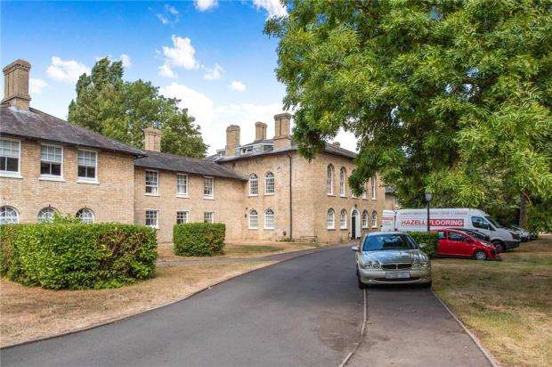 2 Bedrooms Apartment Flat for sale in Limes Park, St. Ives, Cambridgeshire