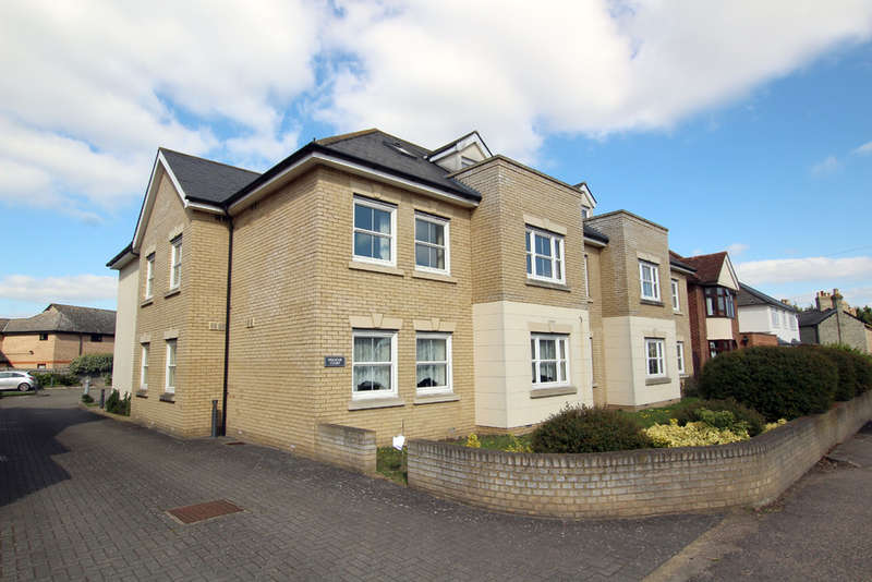 2 Bedrooms Flat for sale in Melbourn Road, Royston