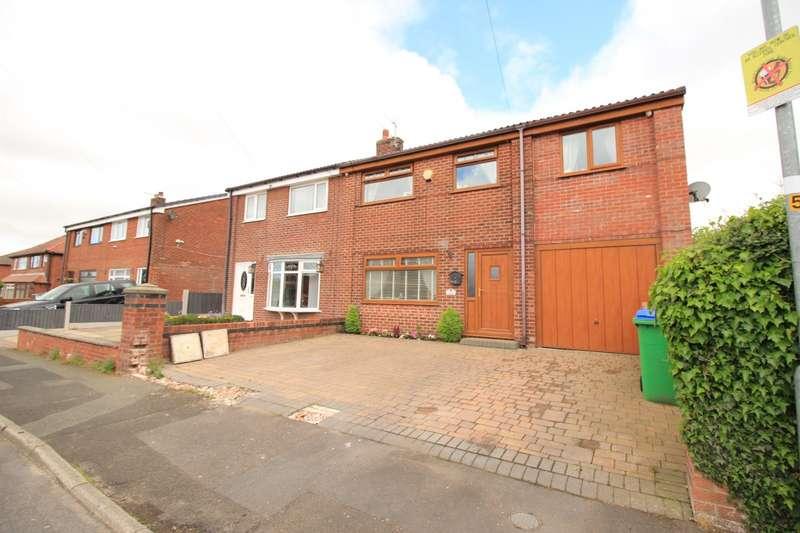 5 Bedrooms Semi Detached House for sale in Heatley Road, Rochdale, OL16