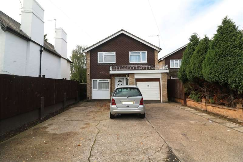 4 Bedrooms Detached House for sale in Flamstead End Road, West Cheshunt, Hertfordshire