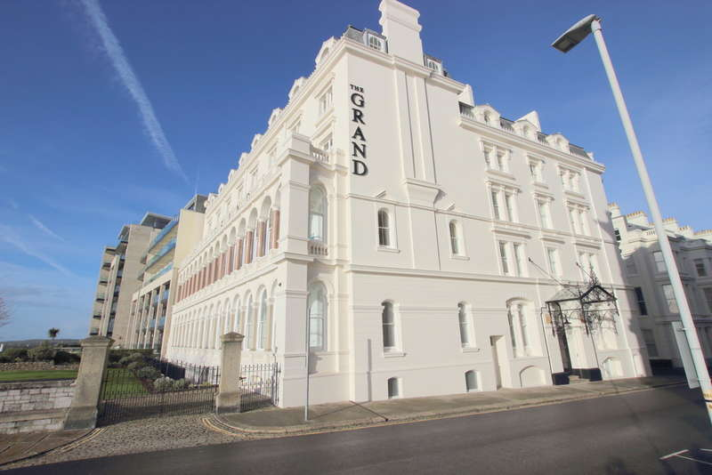 3 Bedrooms Flat for sale in The Grand, 24 Elliot Street , The Hoe, Plymouth, PL1 2BE