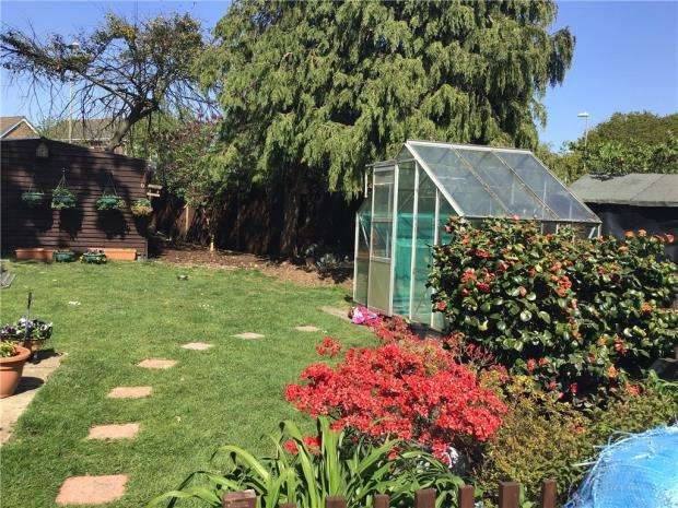 4 Bedrooms Detached House for sale in Highlands Way, Dibden Purlieu, Southampton