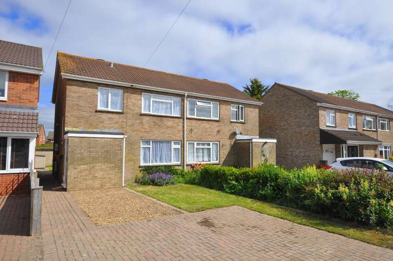 3 Bedrooms Semi Detached House for sale in Old Barn Close, Ringwood, BH24 1XF