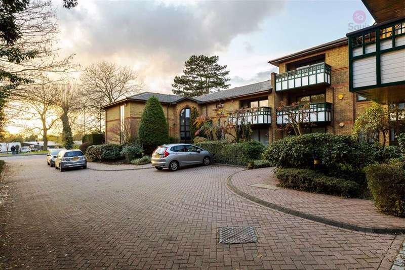 2 Bedrooms Flat for sale in High Street, Bushey, Hertfordshire, WD23