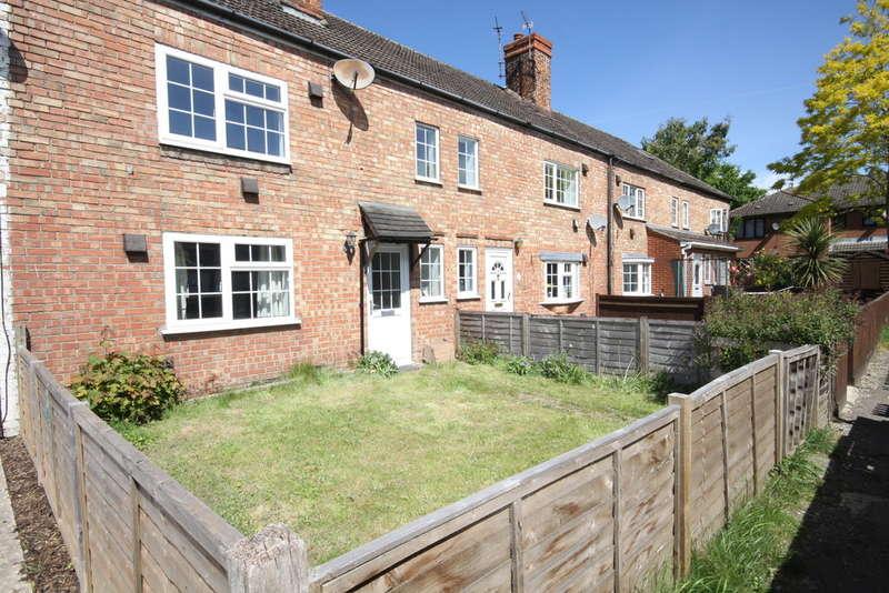 2 Bedrooms Terraced House for sale in Kennet Place, Newbury