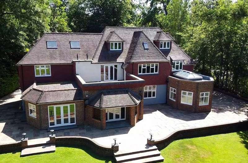 6 Bedrooms Detached House for sale in Silverdale Avenue, Ashley Park, Walton On Thames, KT12
