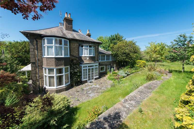 4 Bedrooms Detached House for sale in Old Dover Road, Canterbury