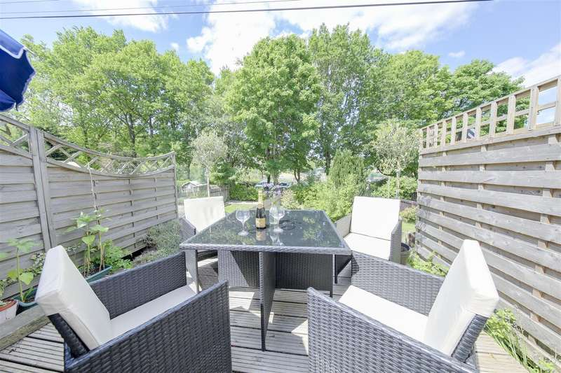 2 Bedrooms Terraced House for sale in Haslingden Old Road, Rawtenstall, Rossendale