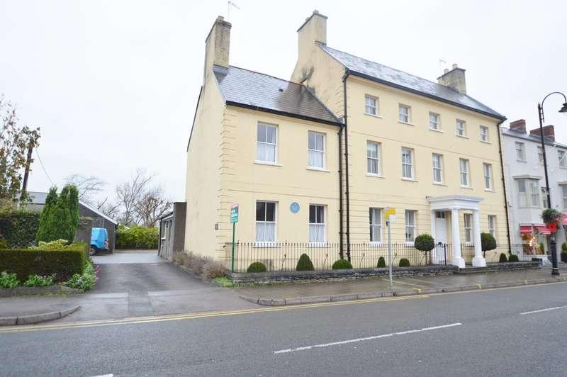 2 Bedrooms Flat for rent in Flat 4, Woodstock House, Cowbridge, Vale Of Glamorgan