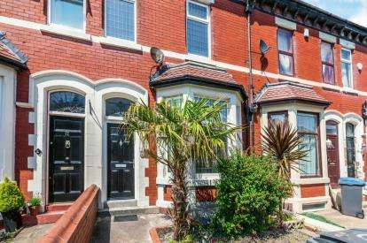 4 Bedrooms Terraced House for sale in Leeds Road, Blackpool, Lancashire, ., FY1