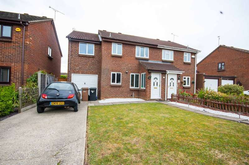 4 Bedrooms Semi Detached House for sale in Beardsley Drive, Springfield, Chelmsford, CM1