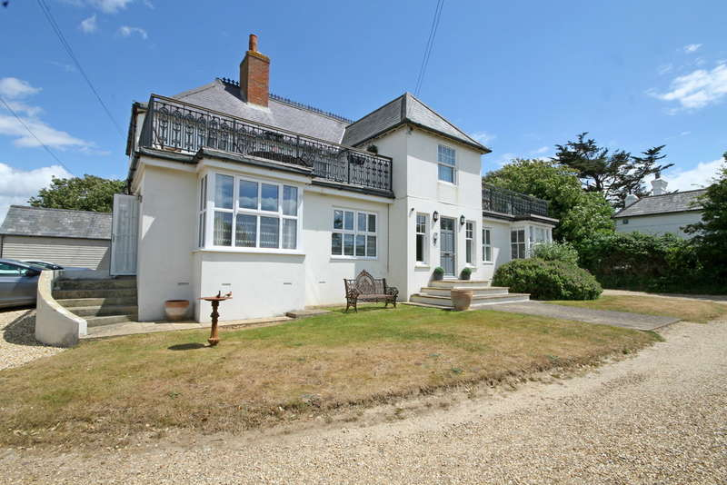 3 Bedrooms Ground Flat for sale in Alum Bay, Isle of Wight
