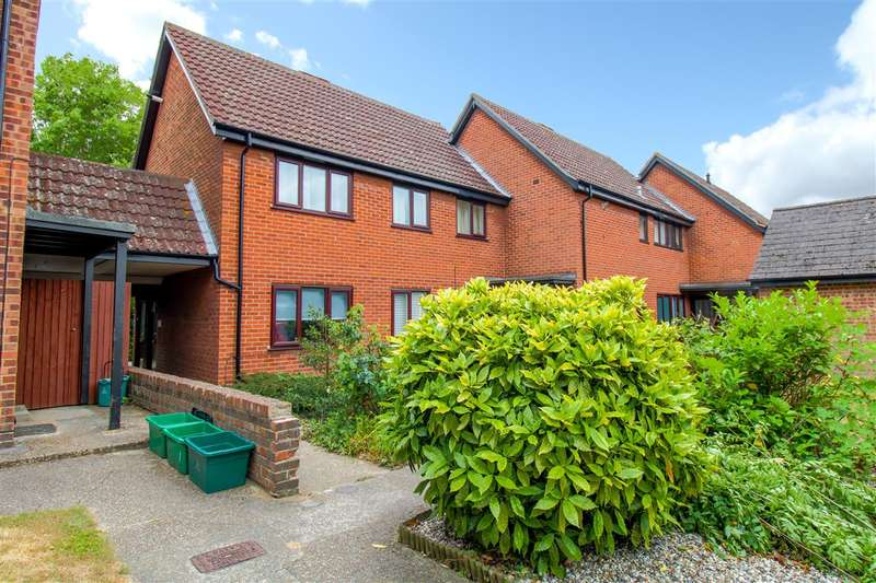 1 Bedroom Maisonette Flat for sale in Silcock Close, Colchester, CO4