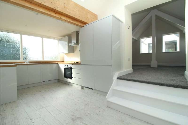 2 Bedrooms Flat for sale in Lansdown Road, Apartment 4 - First Floor, Old Town, Swindon, SN1