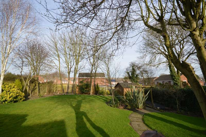 4 Bedrooms Detached Bungalow for sale in High Street, Newhall, Swadlincote, Derbyshire, DE11