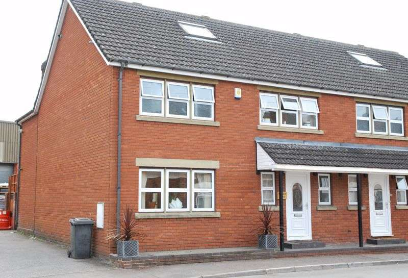 4 Bedrooms Property for sale in Westend Parade, Gloucester