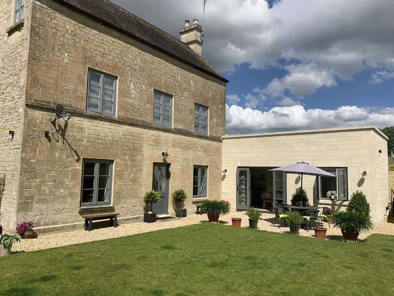 3 Bedrooms Detached House for sale in Highfield Cottage Cirencester, GL7 1TS